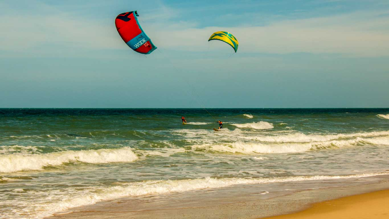 Downwind kitesurf Akila Brésil